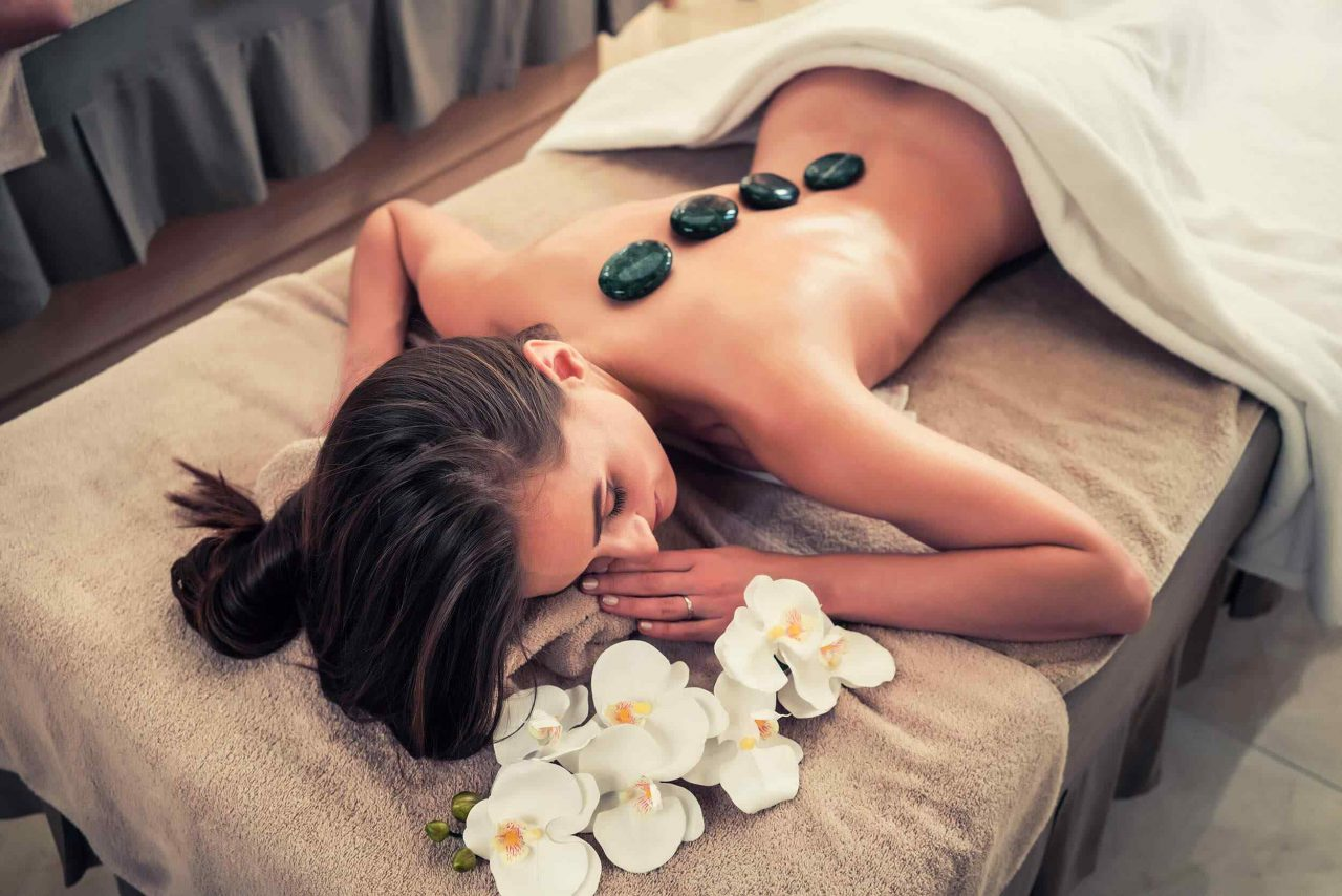 https://lylesstyles.com/wp-content/uploads/2018/10/spa-stone-massage-3-1280x854.jpg
