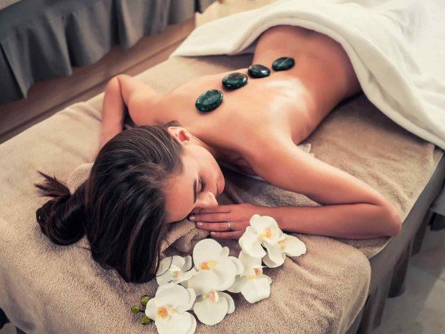 https://lylesstyles.com/wp-content/uploads/2018/10/spa-stone-massage-3-640x480.jpg